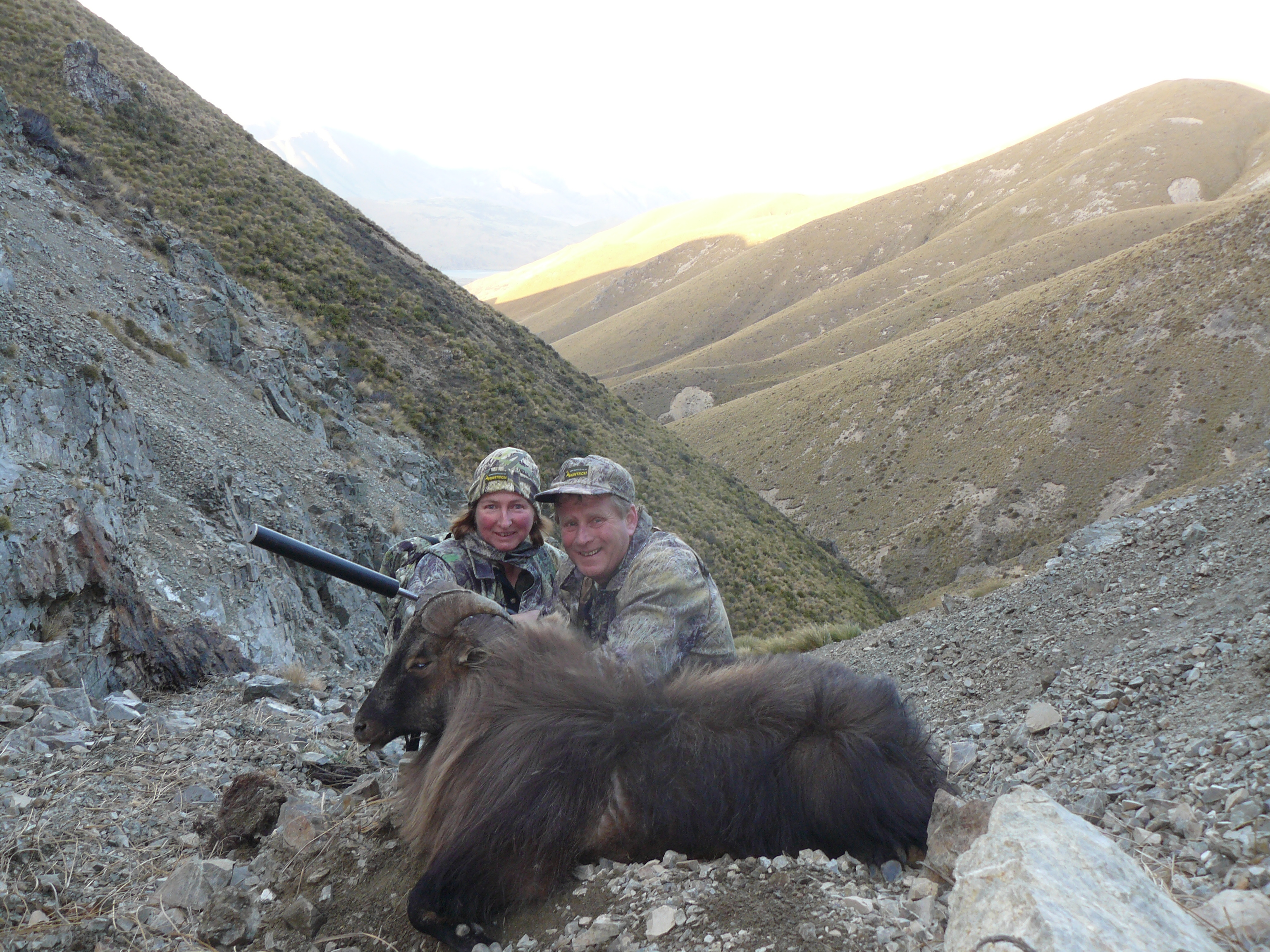 Tahr hunting in New Zealand (2)